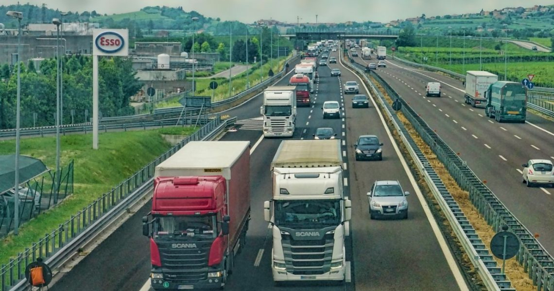How to Start A Trucking Company Business?